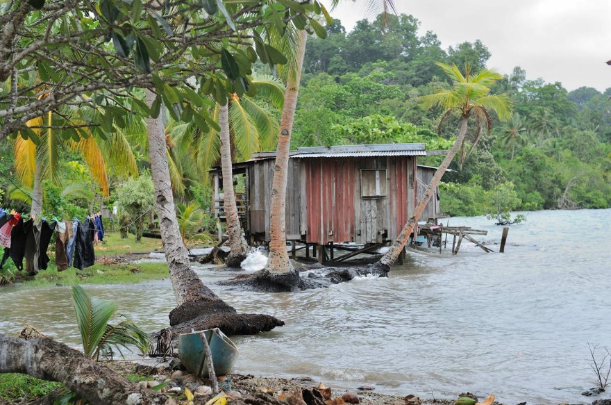 C:\Users\JulieB\Documents\Writing-Blogs and Articles\Pictures\Solomon islands.jpg